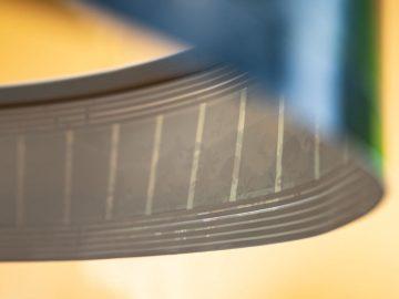 Nahaufnahme mit Lautsprecher bedrucktes T-Paper